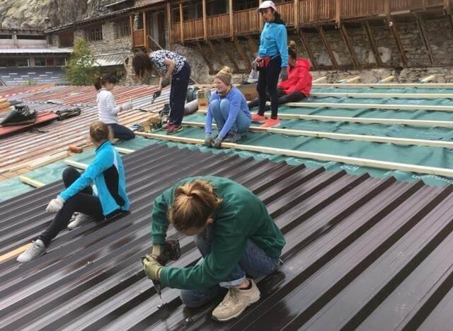 chantier jeune toiture